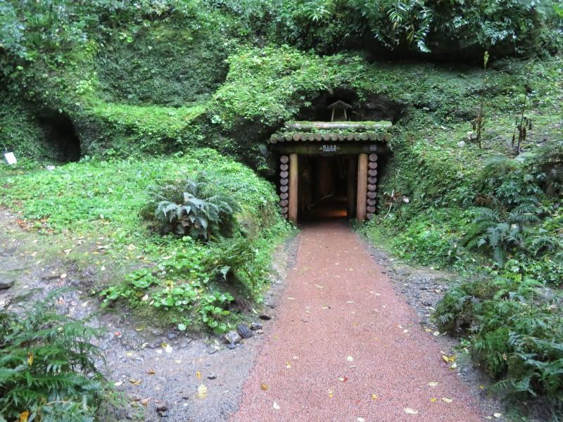 坑道の入り口。雰囲気があります